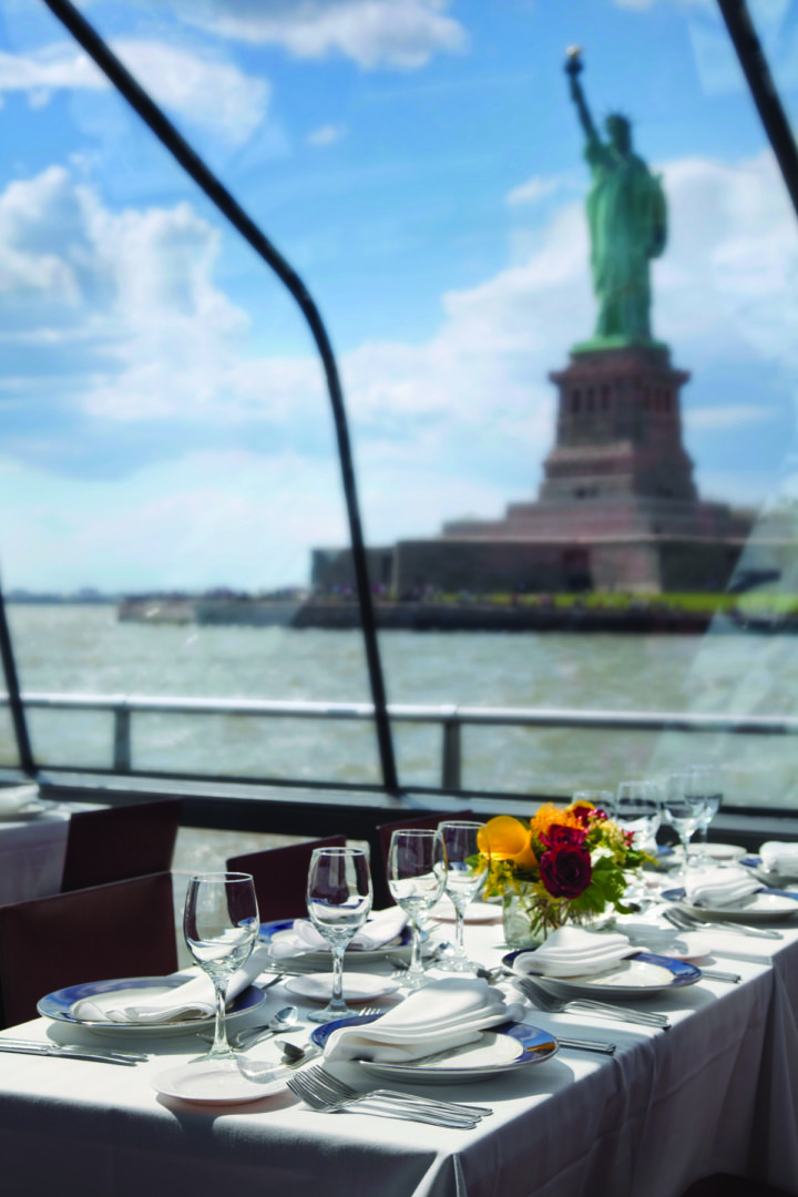 Bateaux Intyerior with the Statue of Liberty