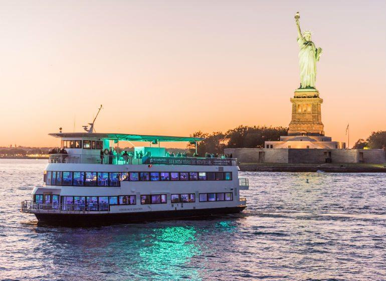 sensation-yacht-charter-nyc