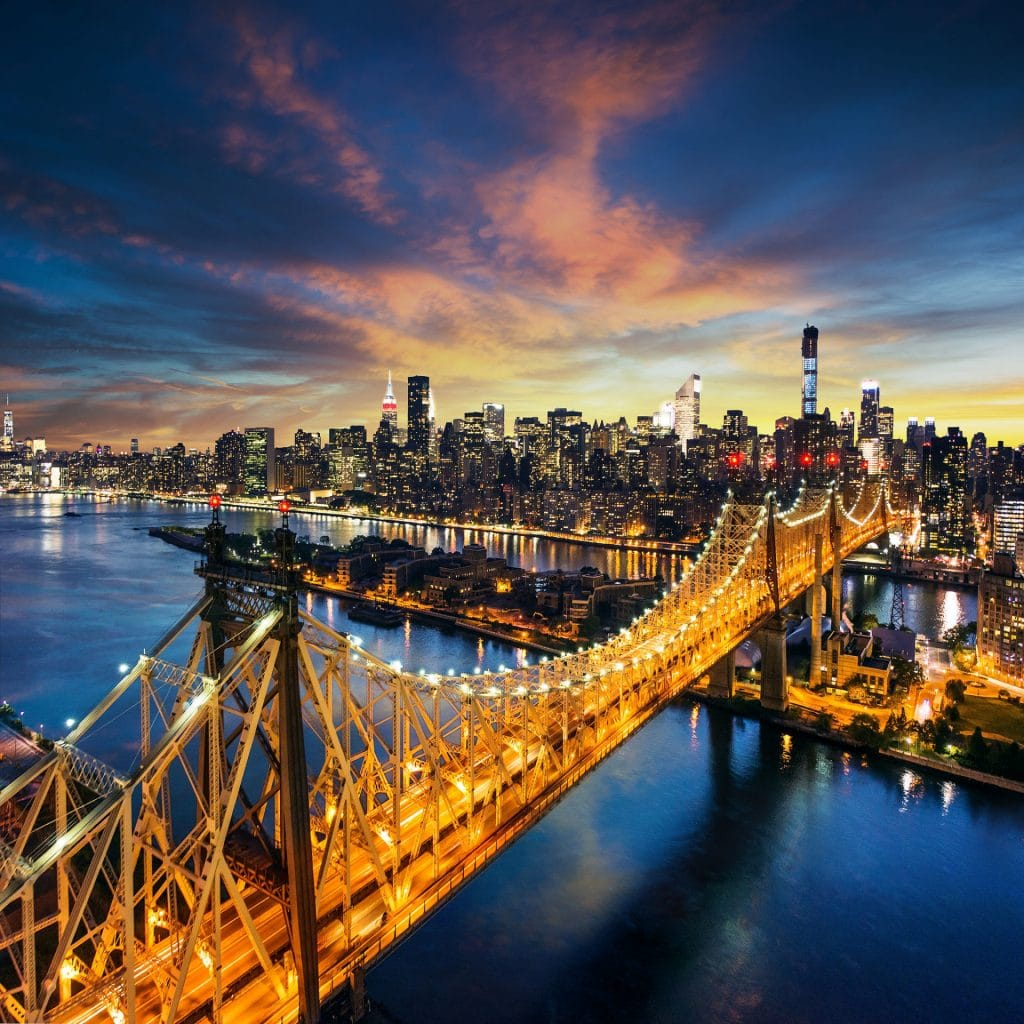 Amazing sunset over manhattan with Queensboro bridge