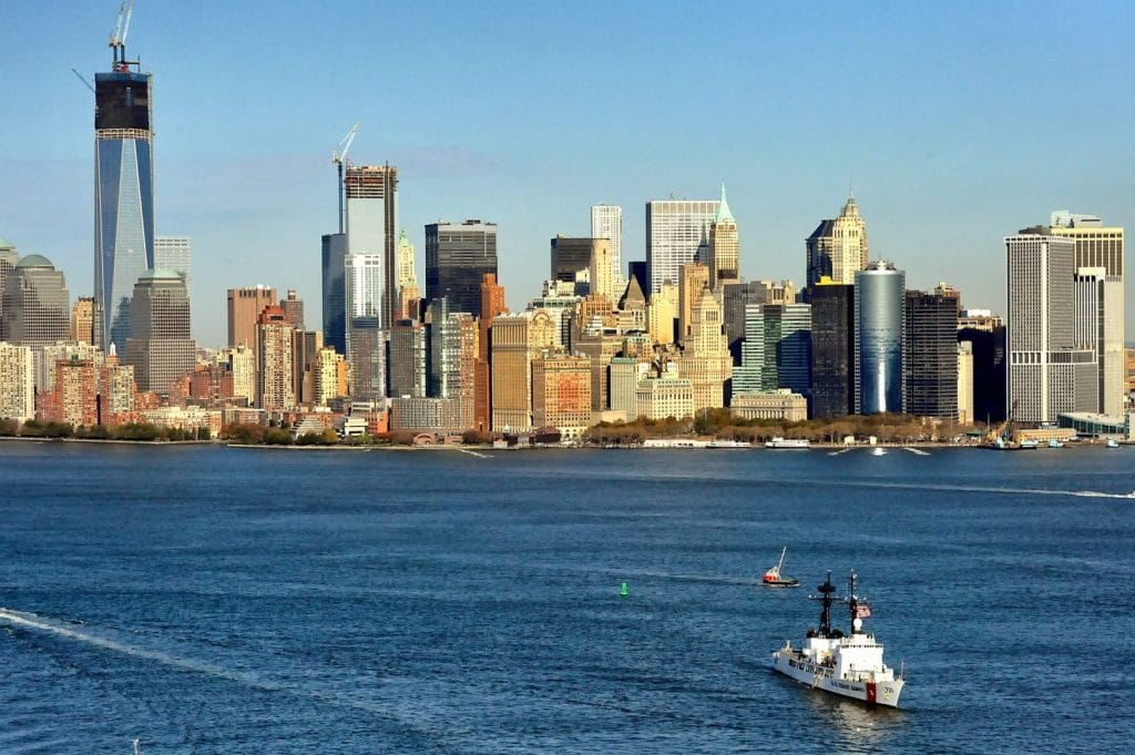 corporate-nyc-yacht-charter-pamper-guests