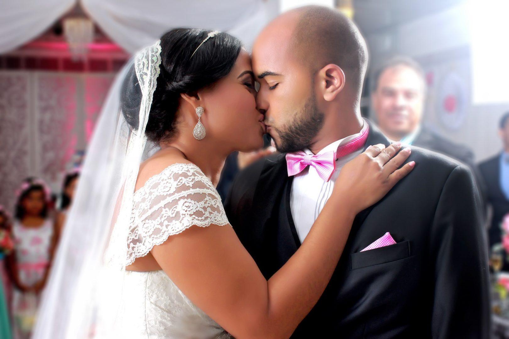 wedding-disaster-prevention-avoid-wannabe-photographers.