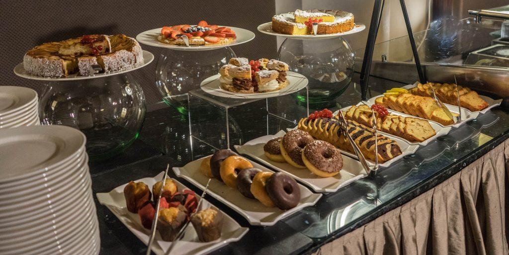 Wedding Dinner Ideas - Serve Breakfast