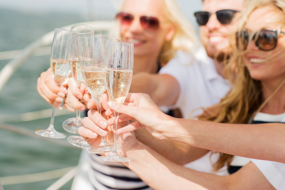 mothers-day-special-event-planning-nyc-boat-rental