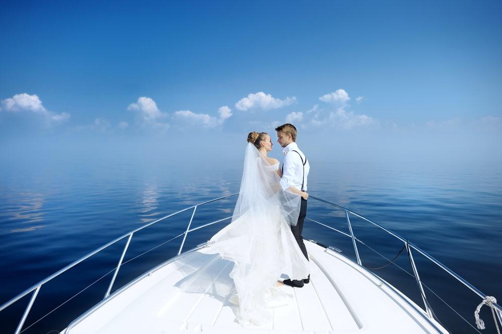yacht-charter-new-york-spring-wedding-venue