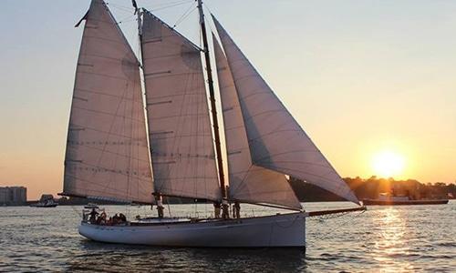 Adirondack-Schooner-Yacht