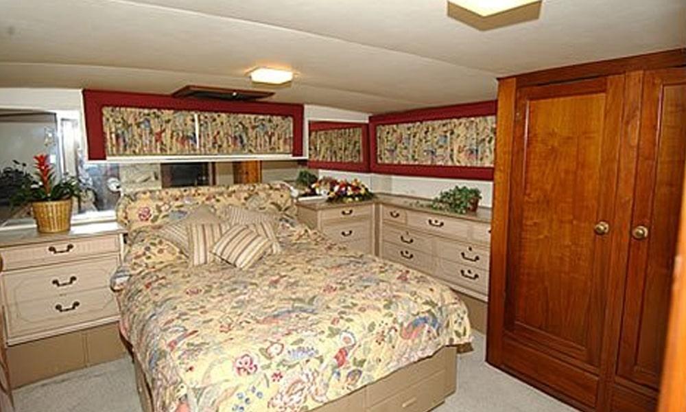 Calypso-Yacht-Charter-NY