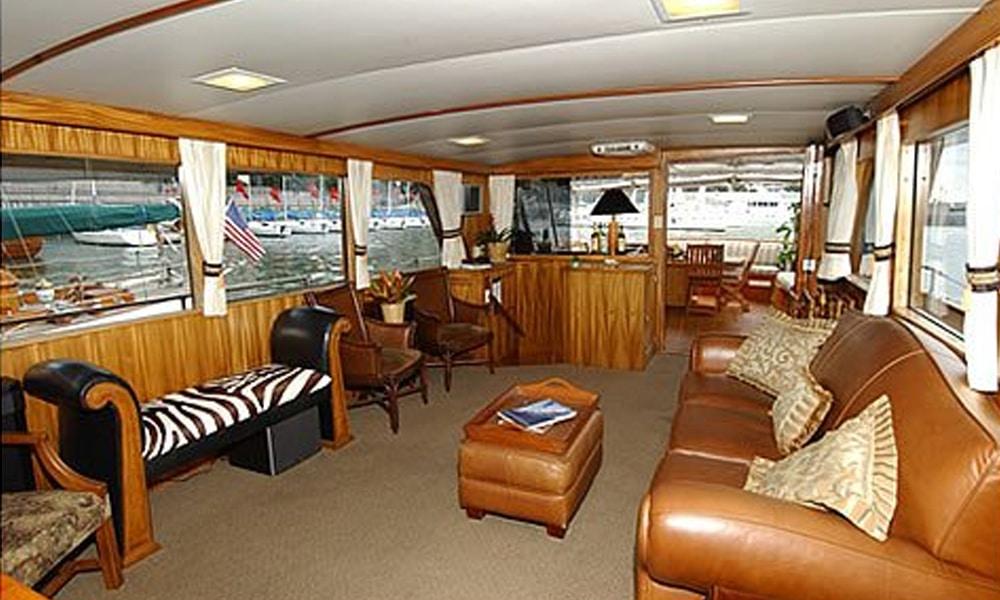 Calypso-Yacht-Charter-NYC