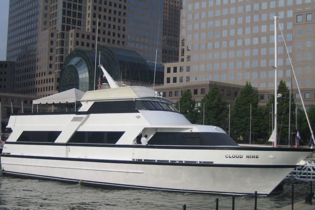 Cloud-9-III-NY-Yacht-Rentals