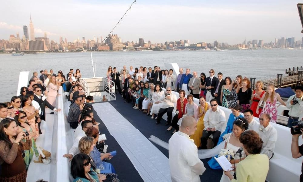 Yacht-Charter-NYC-Top-Deck-Ceremony