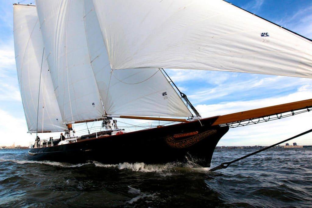 america 2.0 yacht