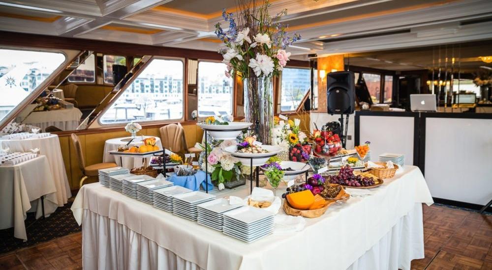 wedding-on-a-yacht