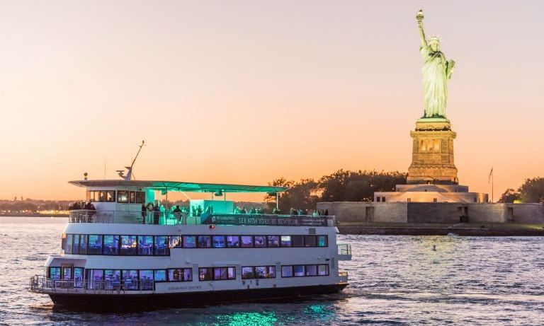 Hornblower-Sensation-Yacht