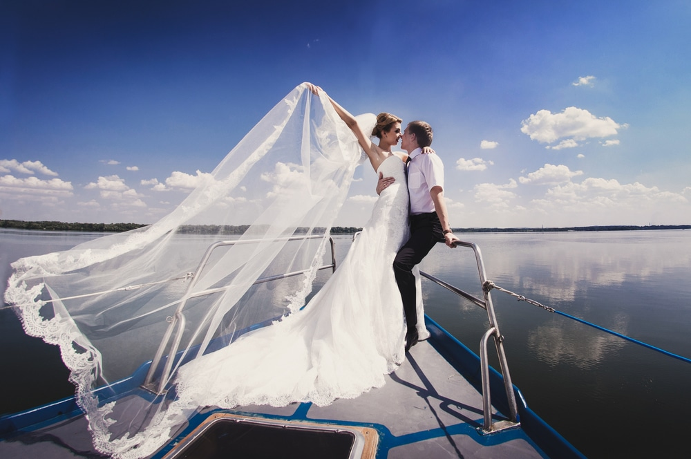 planning a wedding on a yacht cruise nyc