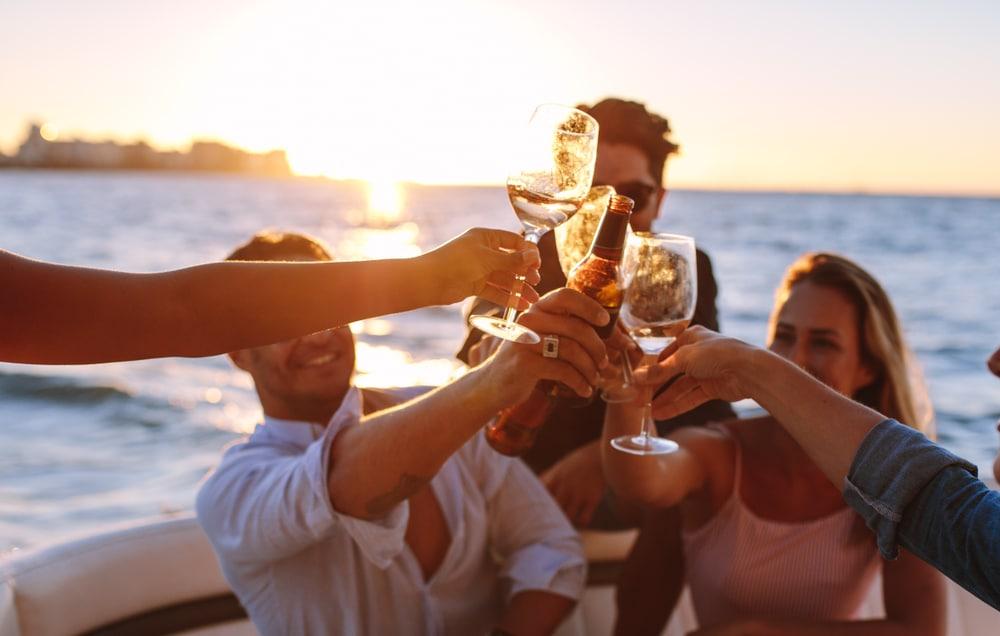 creative-unique-birthday-party-venue-celebrate-birth-on-a-private-yacht-nyc